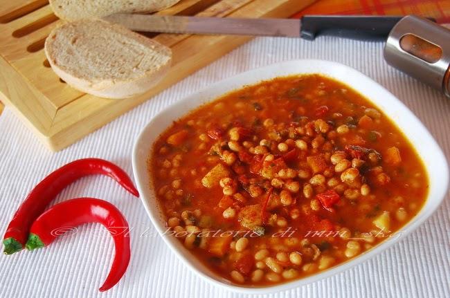 Что приготвить из фасоли - постный греческий суп Фасолада