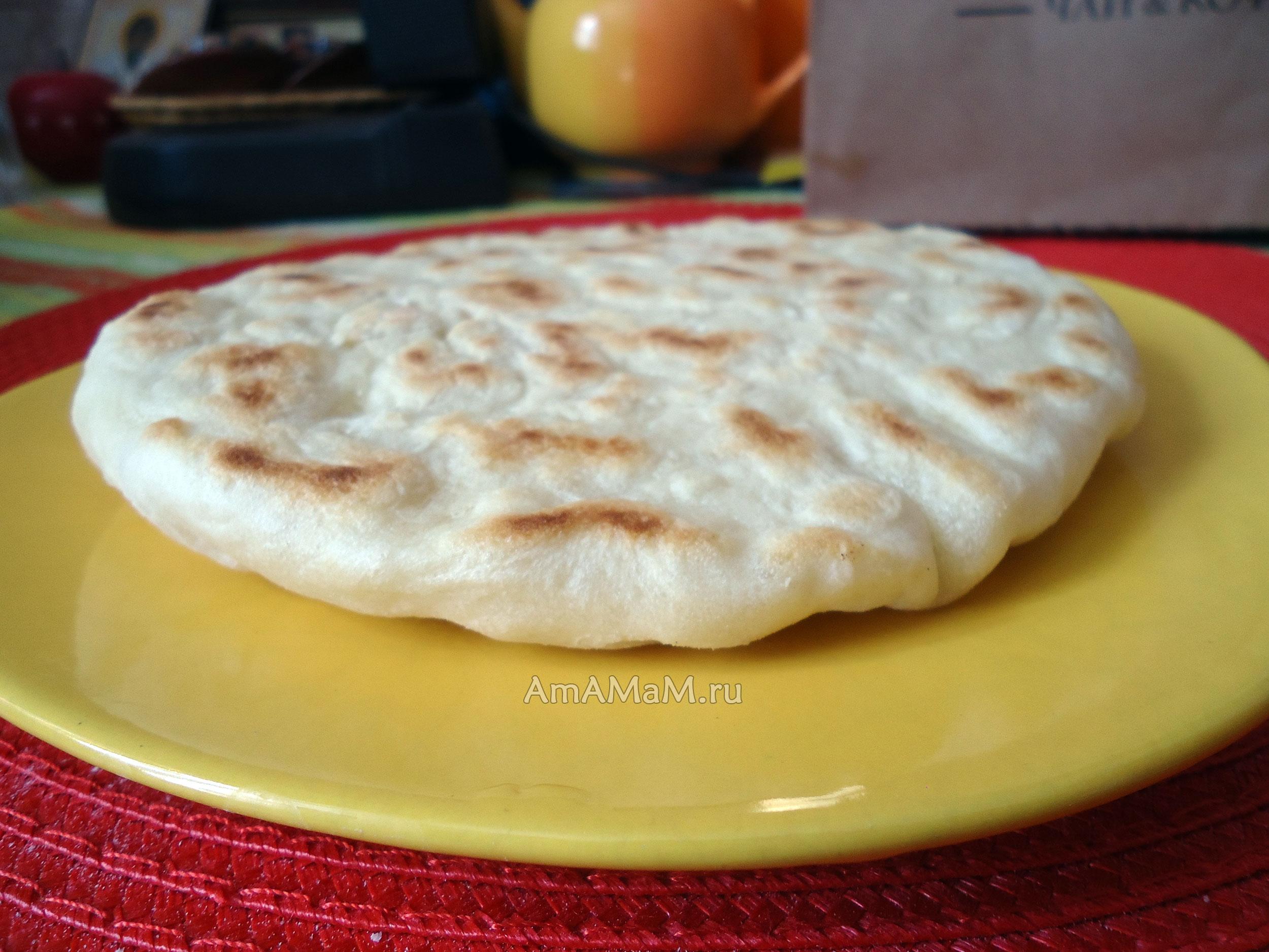 Узбекские лепешки без дрожжей на воде на сковороде — 2