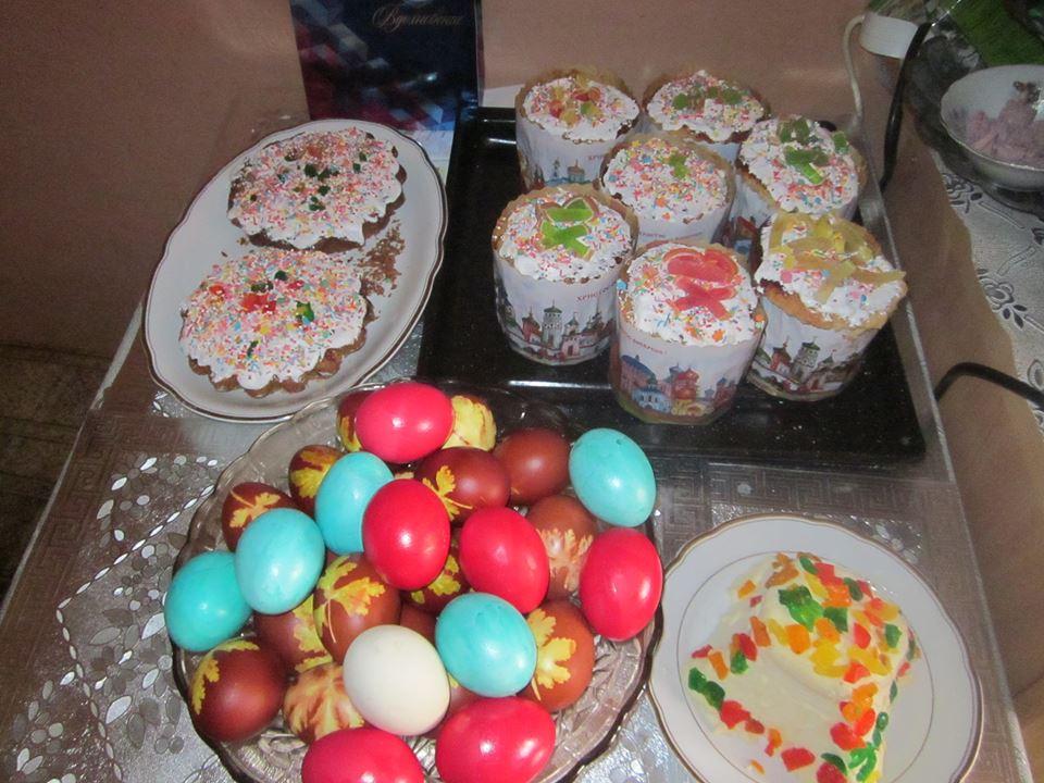 Красивые пасхи, куличи и крашеные яйца