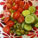 С чем готовят салат из огурцов и помидоров - фото и рецепт