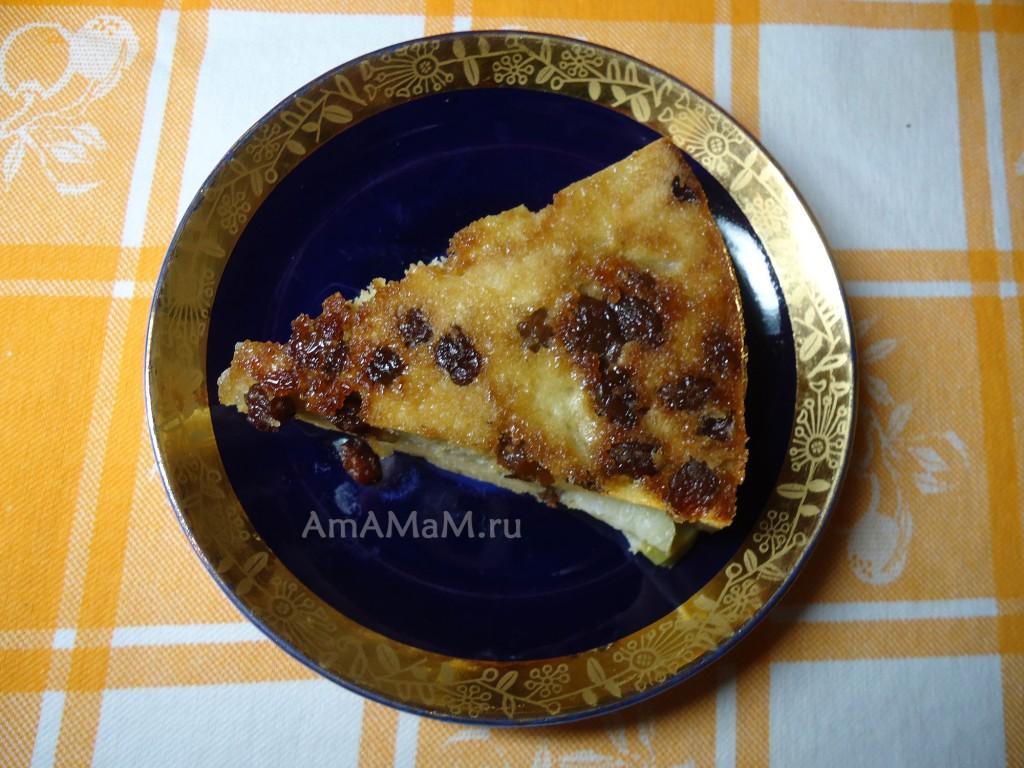 Простой яблочный пирог с изюмом