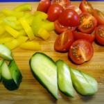 Состав и рецепт салата из овощей с листовым салатом Микс