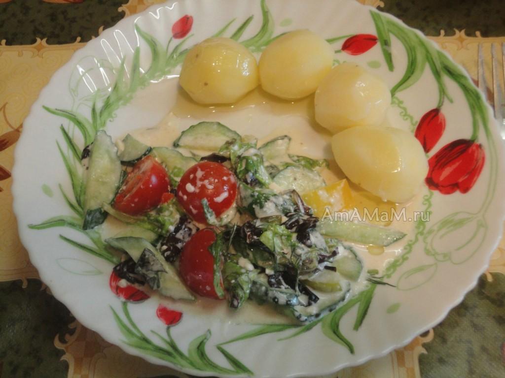 Блюда из салатного микса - рецепт с фетой и овощами