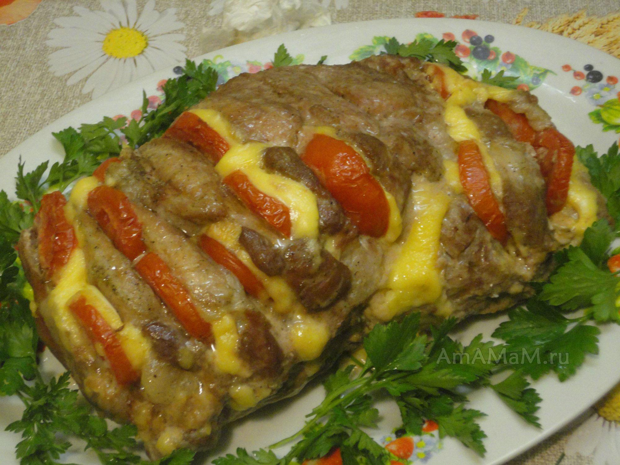 свиная вырезка в духовке с сыром и помидорами