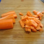 Нарезка морковки для заправки супа - фото
