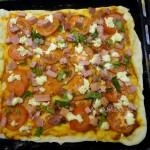 Рецепт домашней пиццы с колбасой