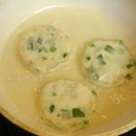 Рецепт китайских лепешек с луком - жарка на сковороде