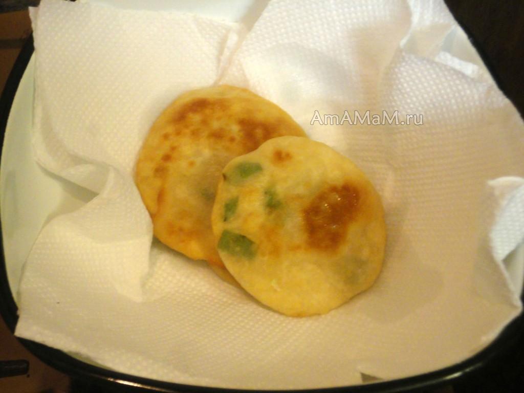 Лепешка с сулугуни на сковороде