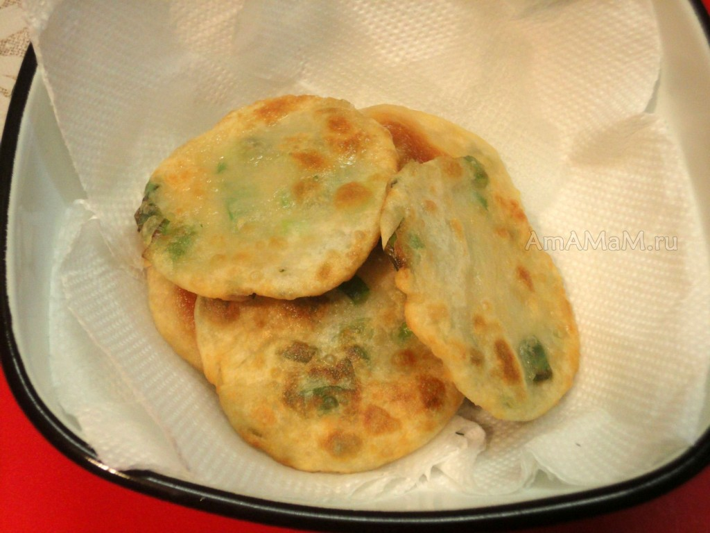 Как жарить китайские лепешки с луком - рецепт