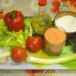 Красная чечевица, помидоры, перец, сельдерей, лук, специи