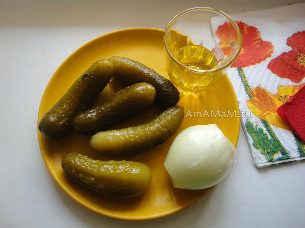 Состав и рецепт салата из соленых огурцов с нерафинированным маслом