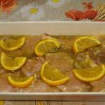 Как запечь свинину с кусочками апельсинов в духовке