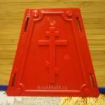 Сторона пасочницы с изображением креста