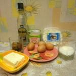 Состав пасхи: творог, яйца, масло, сметана, сахар, изюм