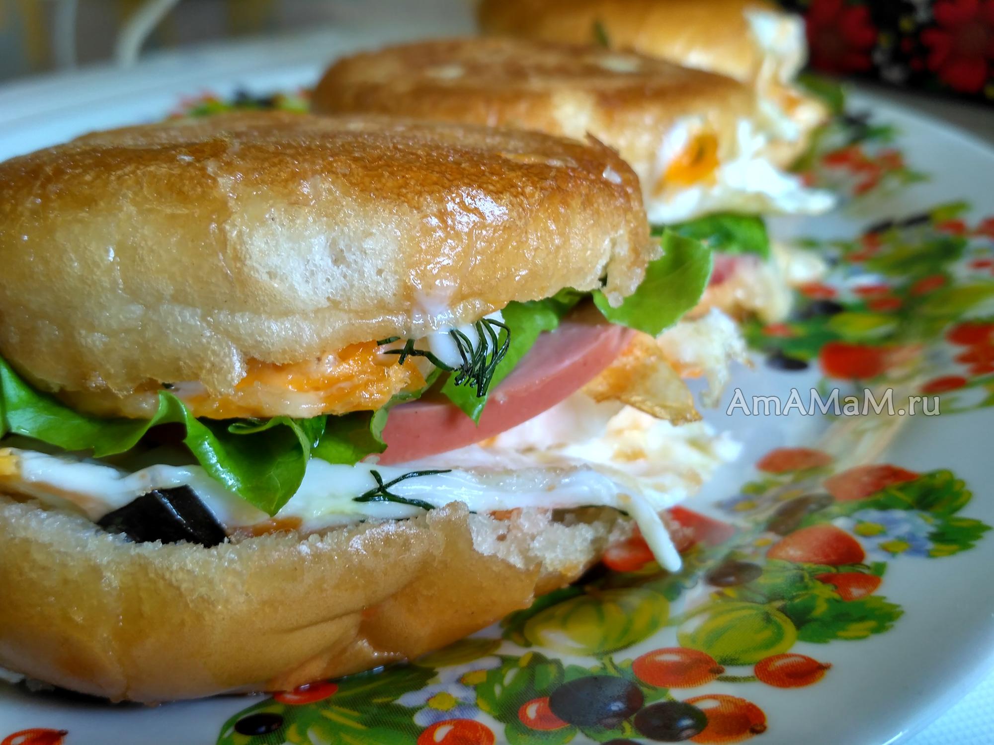 гамбургеры с колбасой и сыром рецепт