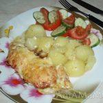 Запеченное куриное филе с соусом песто