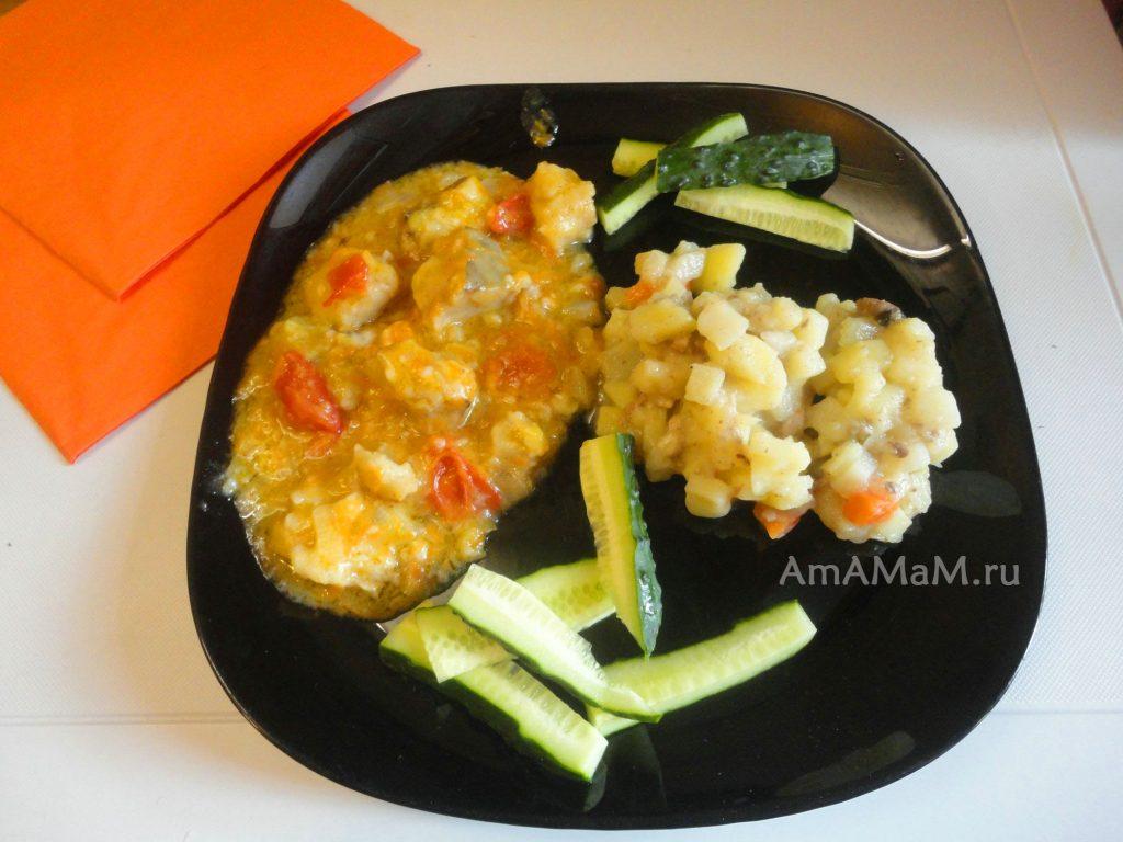 Овощи тушеные с хеком - рецепт с фото