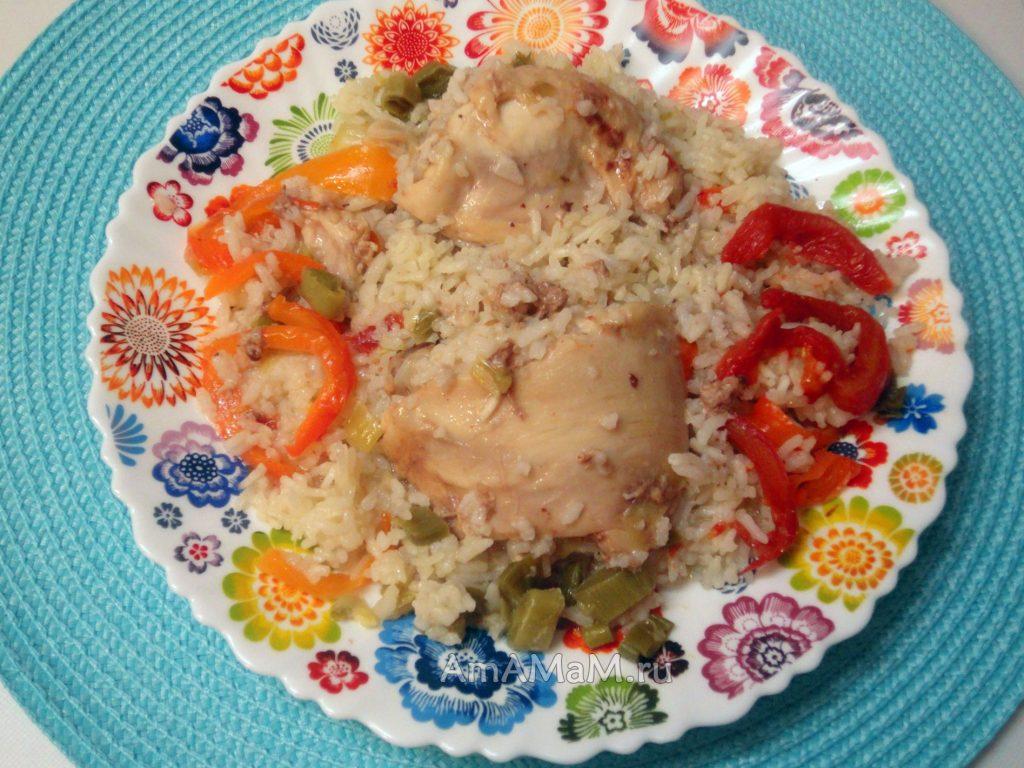 Вкусный ужин из курицы, риса и овощей, которые вместе запекались в банке в духовке!