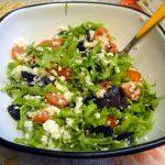 Как готовят салаты с рукколой - рецепт с фото