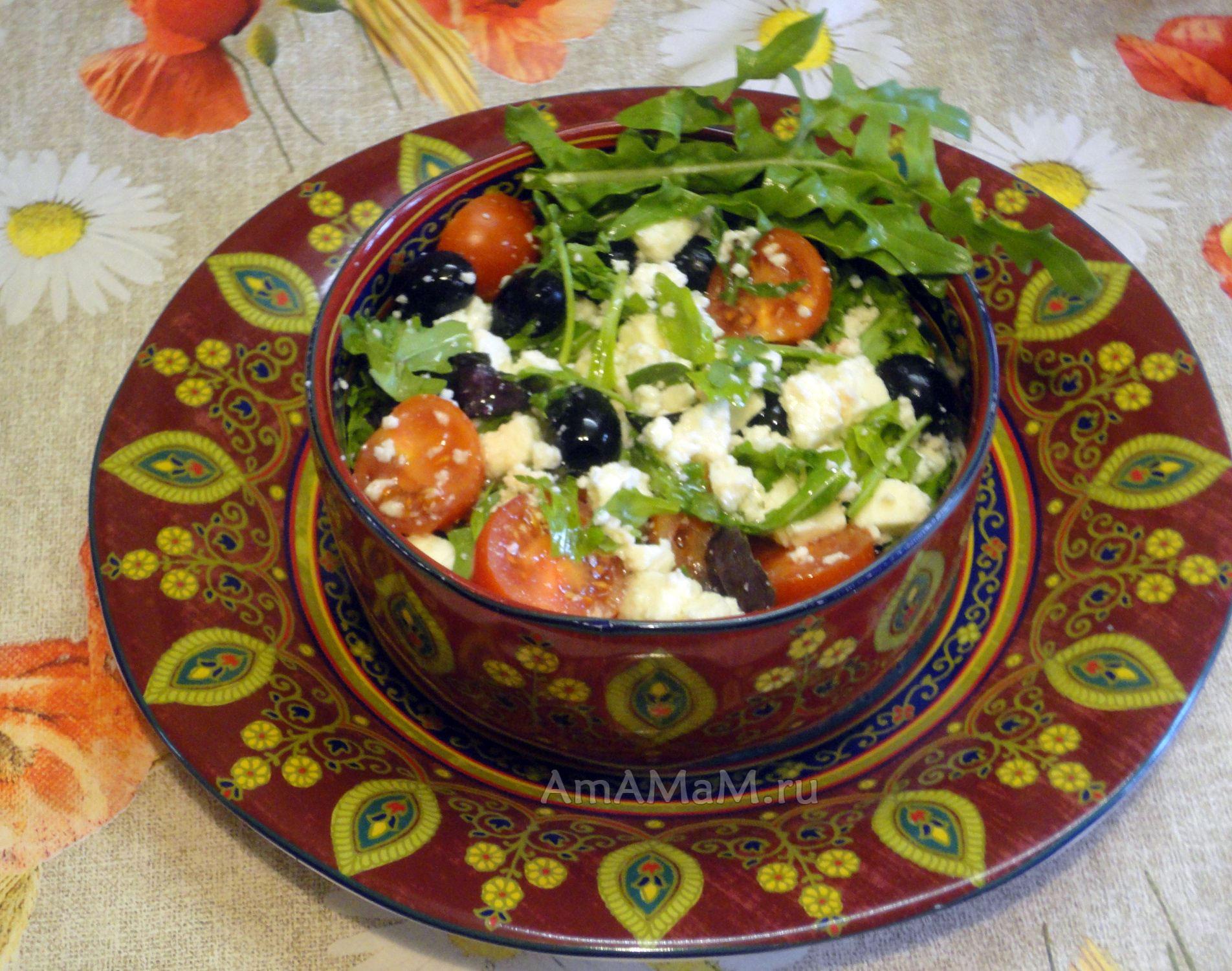 Рецепт салата с адыгейским сыром и рукколой