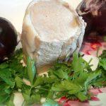 Салат из вареной свинины и лука в маринаде
