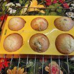 Как вынимают кексы из формочек - надо остудить и перевернуть