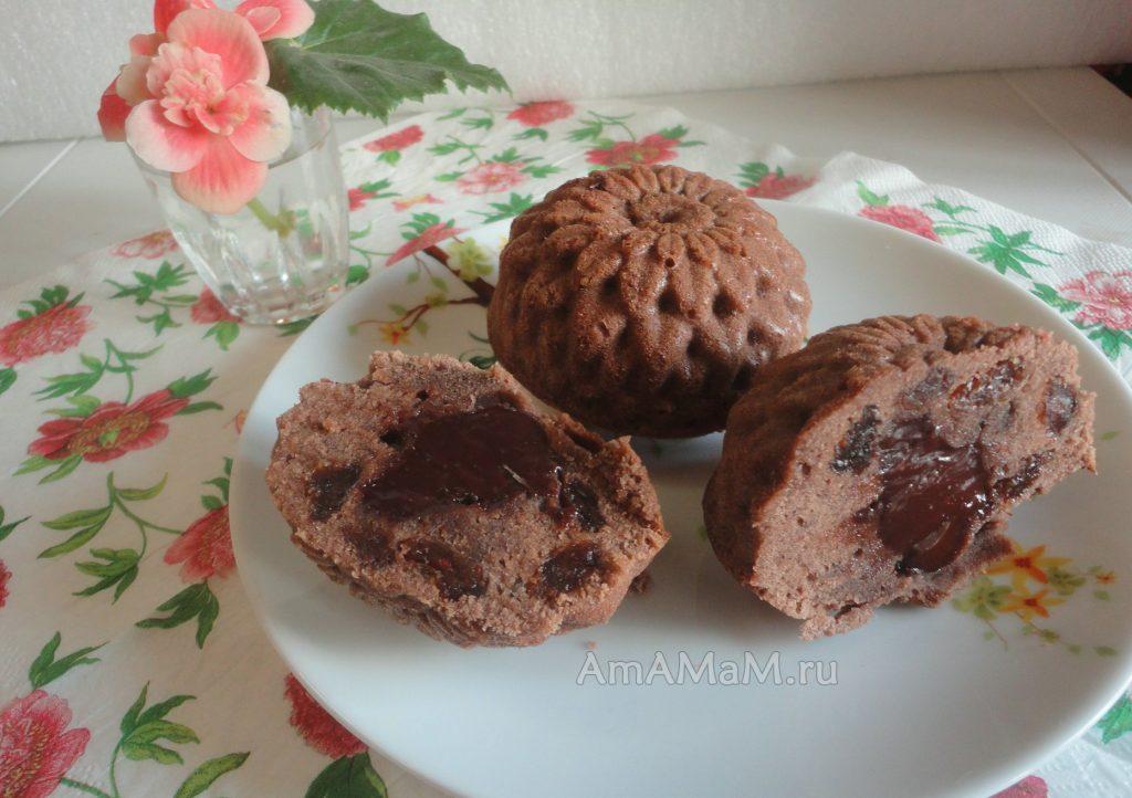Приготовления шоколадных кексов с начинкой из мягкогосыра