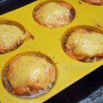 Котлеты с яблоками под корочкой из сыра