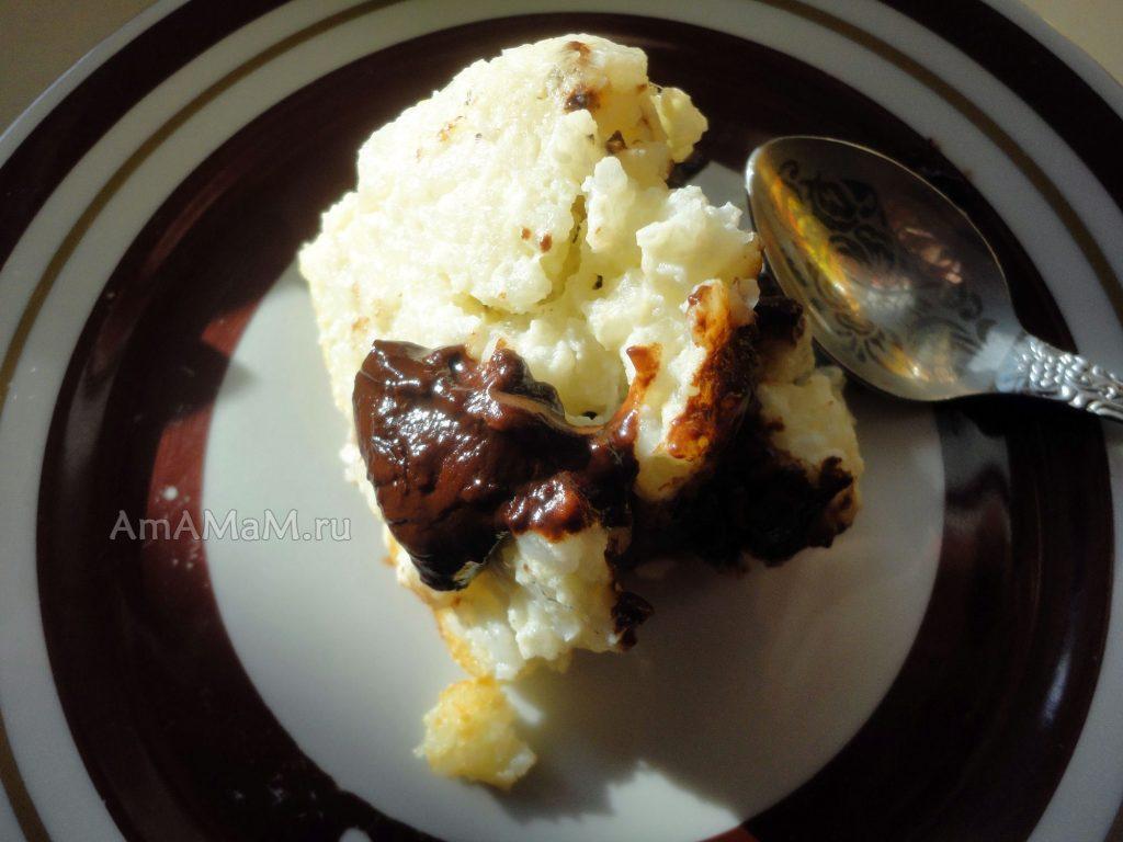Сладкая запеканка с кусочками шоколада - рецепт с фото