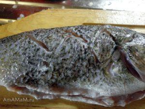 Приготовление речной рыбы - надрезы помогут снять мясо с костей