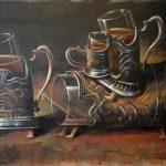 Сюрреалистический натюрморт с подстаканниками и стаканами с чаем