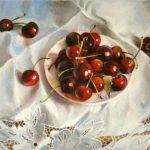 Ягоды черешни на блюдце - живопись А. Андрианова
