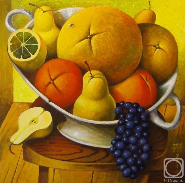 Грейпфруты или помело, груши, апельсины, лимоны и виноград - натюрморт