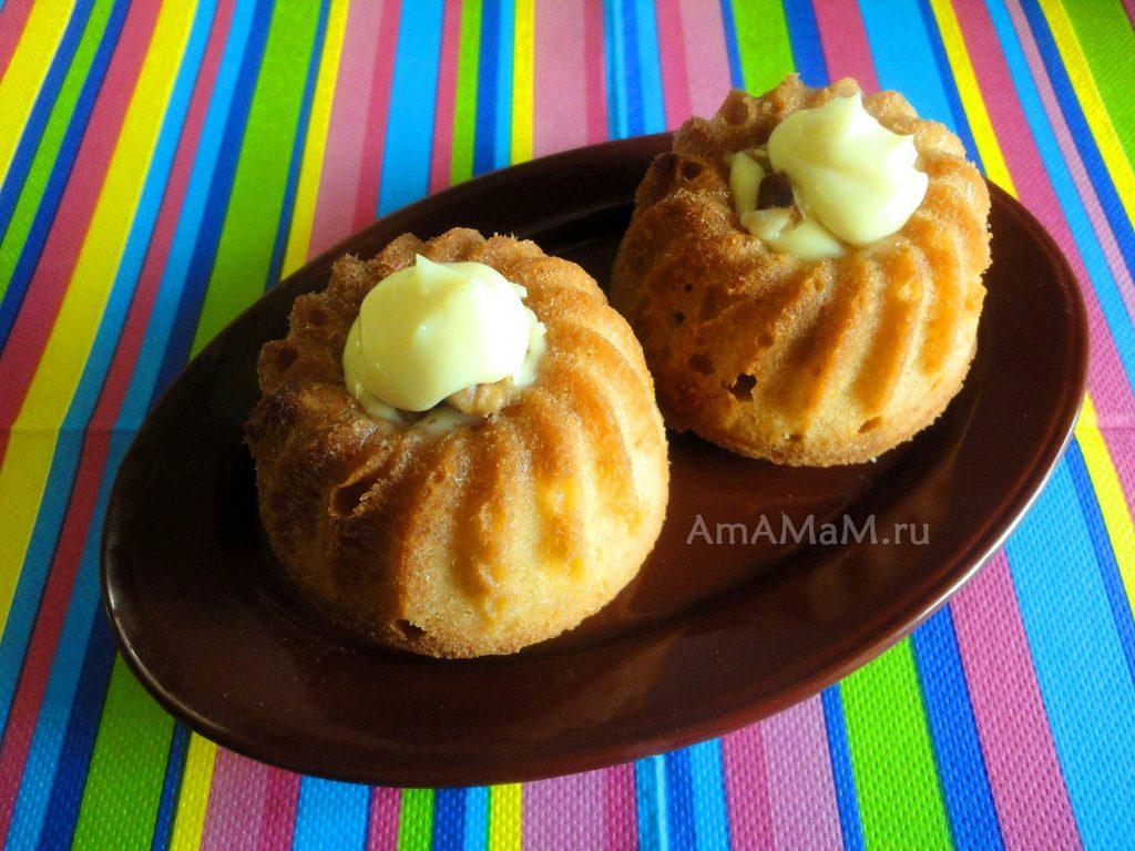 Домашние кексы, наполненные сырным кремом (плавленый сырок омичка с грецкими орехами)