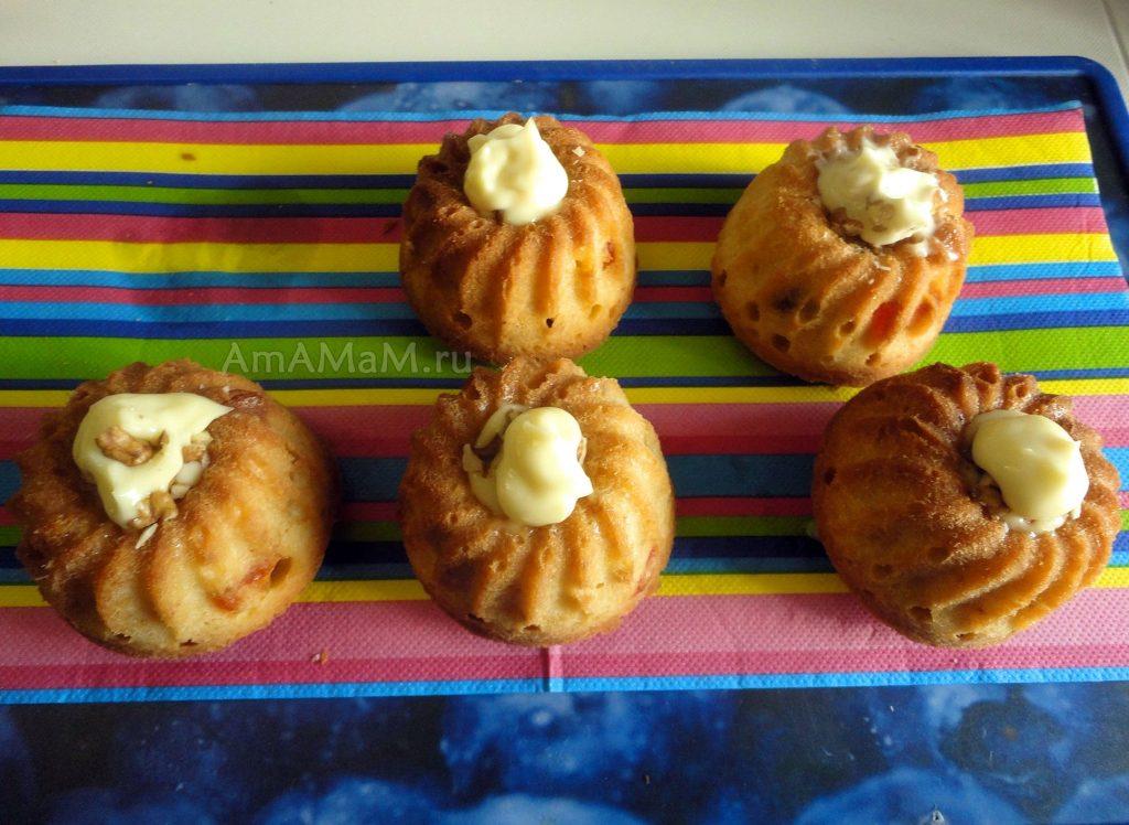 Пецетны кекса со сливочным маслом и омичкой