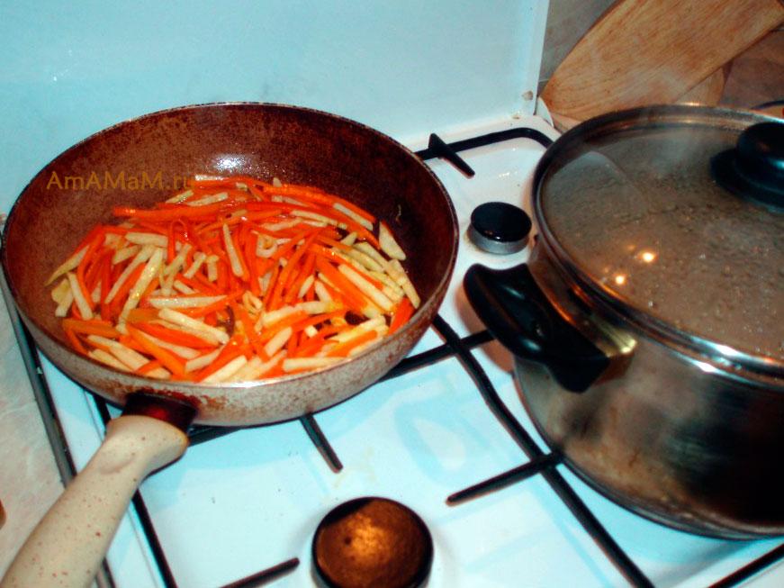 Приготовление супа-лапши с корнем сельдерея - риецепт с фото