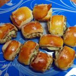 Простое печенье с семечками (дрожжевое тесто)