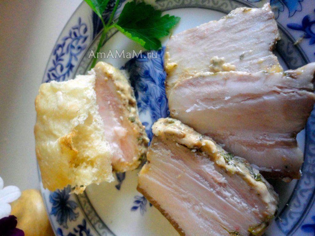 Как готовят сало в духовке в фольге - рецепт с фото