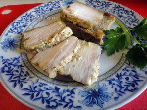 Грудинка в майонезе с чесноком и укропом - рецепт в фольге