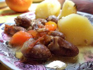 Простые рецепты обедов и уждинов - недорогой рецепт с куриными сердечками