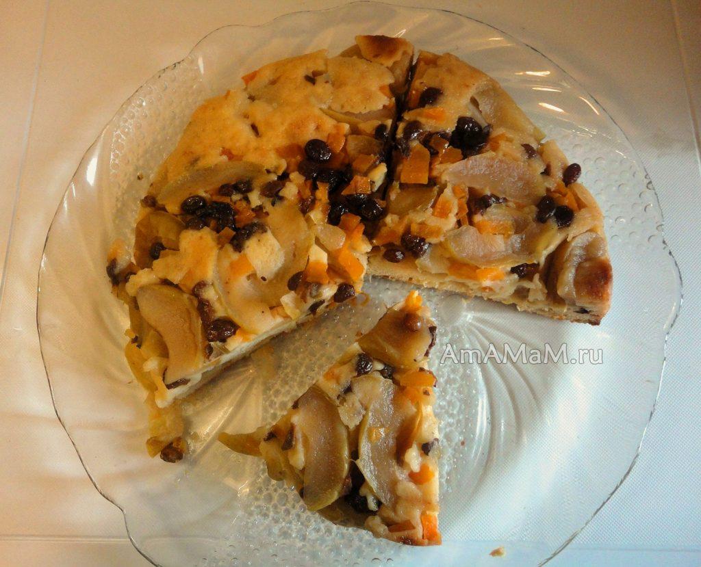 Домашний яблочный пирог типа шаплотки с тыквой и изюмом