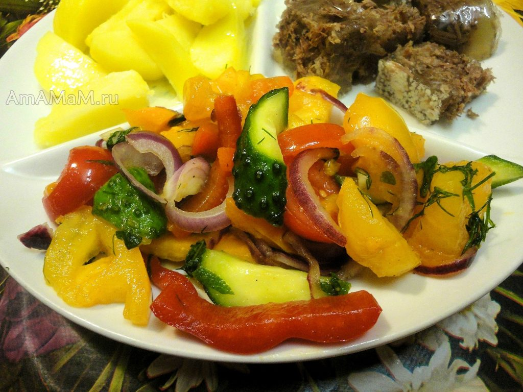 Салат из малосольных овощей на скорую руку