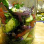 Как готовят салат из малосольных овощей - быстрый домашний посол