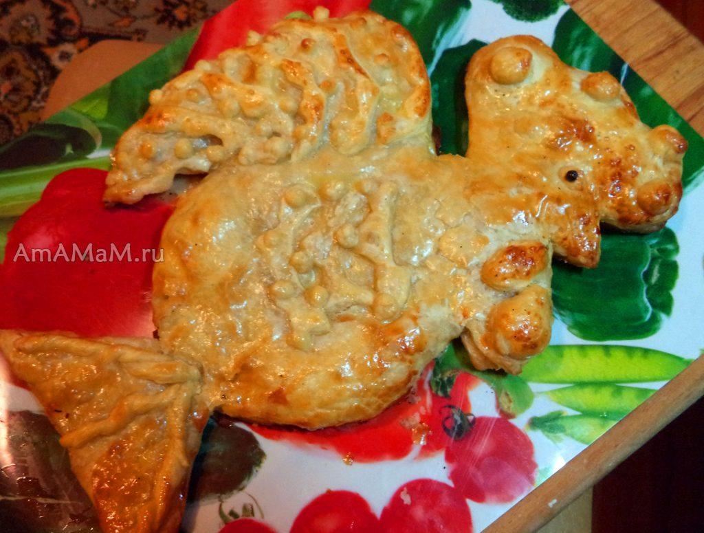 Приготовление пирогов в форме петуха