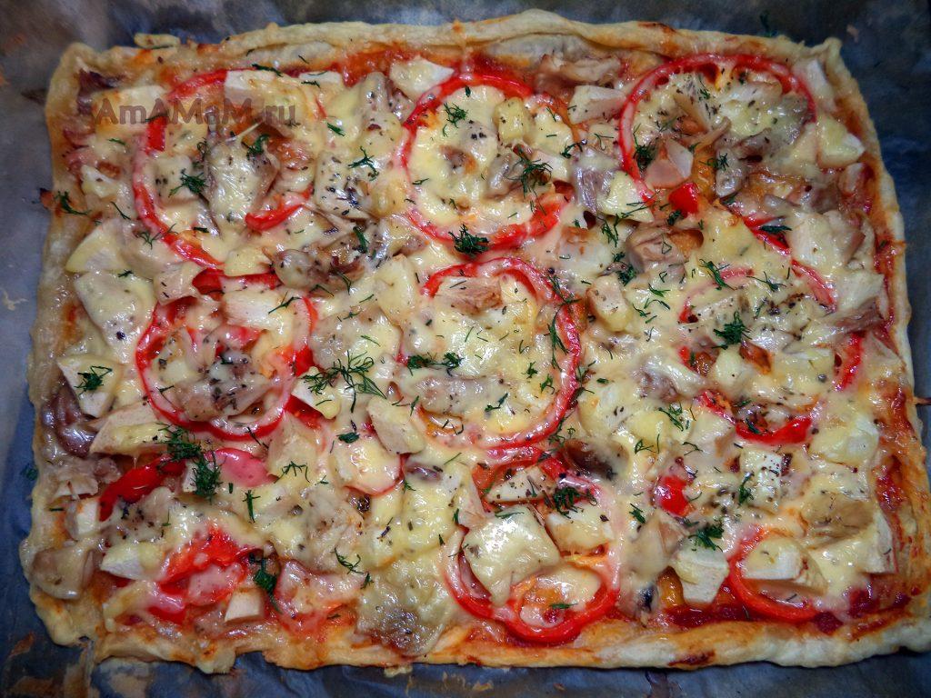 Тонкая домашняя пицца из готового теста - рецепт со слоеным