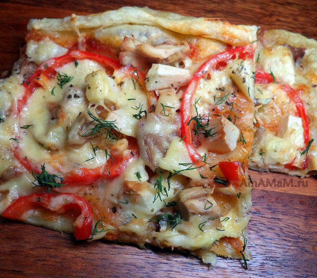 Простая домашняя пицца с курицей - рецепт с фото