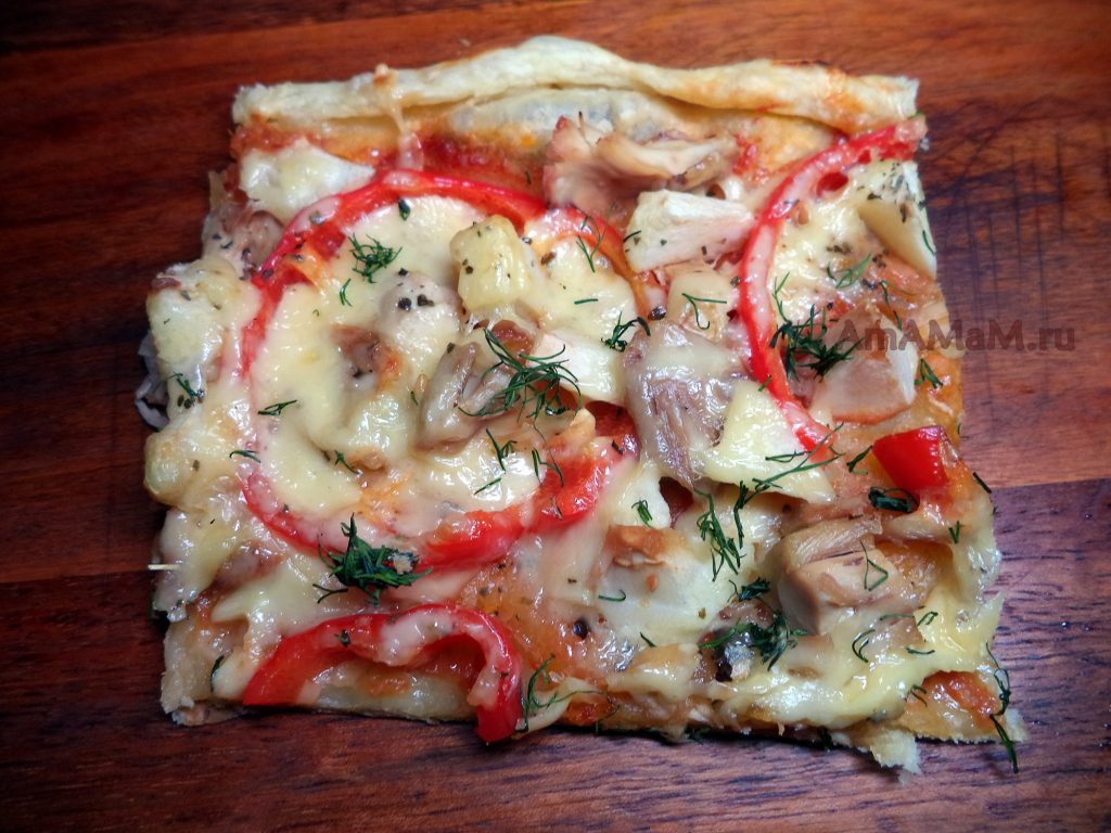 Пицца мясная с яблоком - рецепт