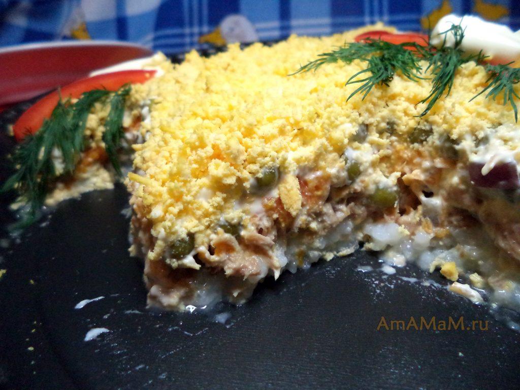 Петушок - салат из рыбы (консервов)