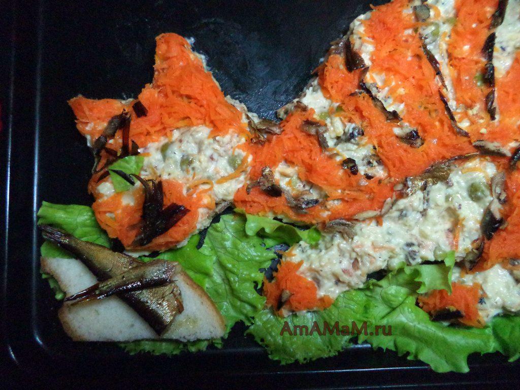 Кот со шпротами - рецепт салата