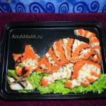 Кот ест рыбу – салат из шпрот с помидорами и горошком